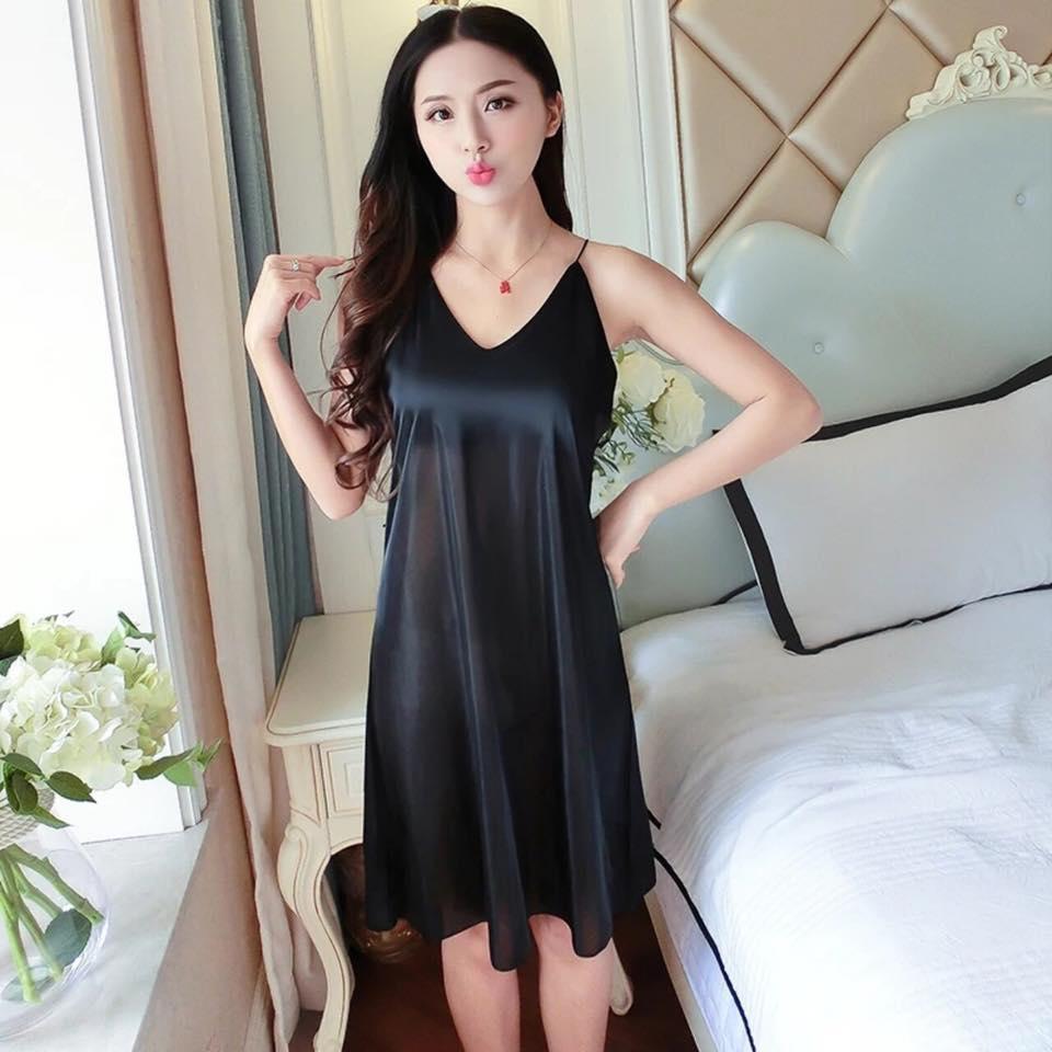 Black Elegance Silk And Satin Nightdress